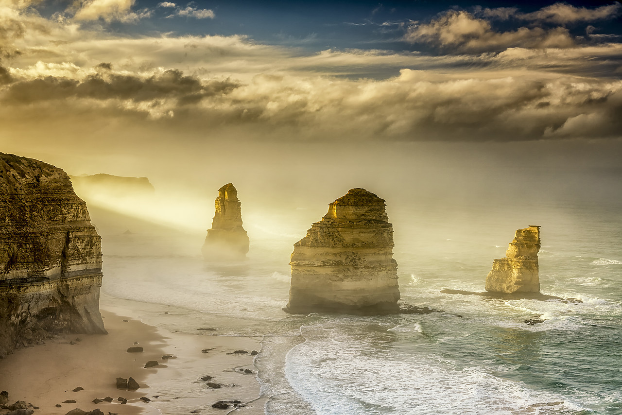 #160060-1 - The Twelve Apostles at Sunrise, Great Ocean Road, Australia
