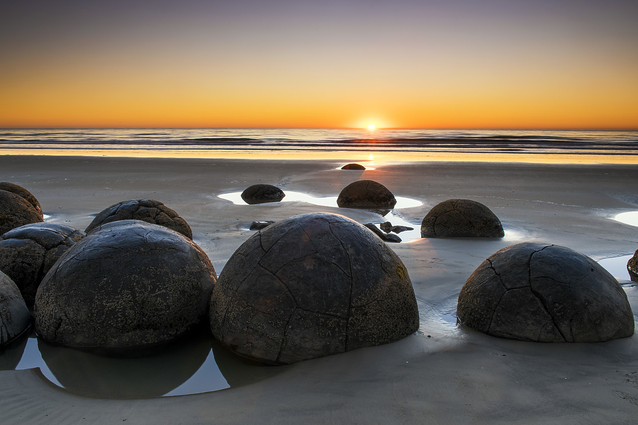 #160273-1 - Moeraki Boulders at Sunrise, Otago Coast, New Zealand