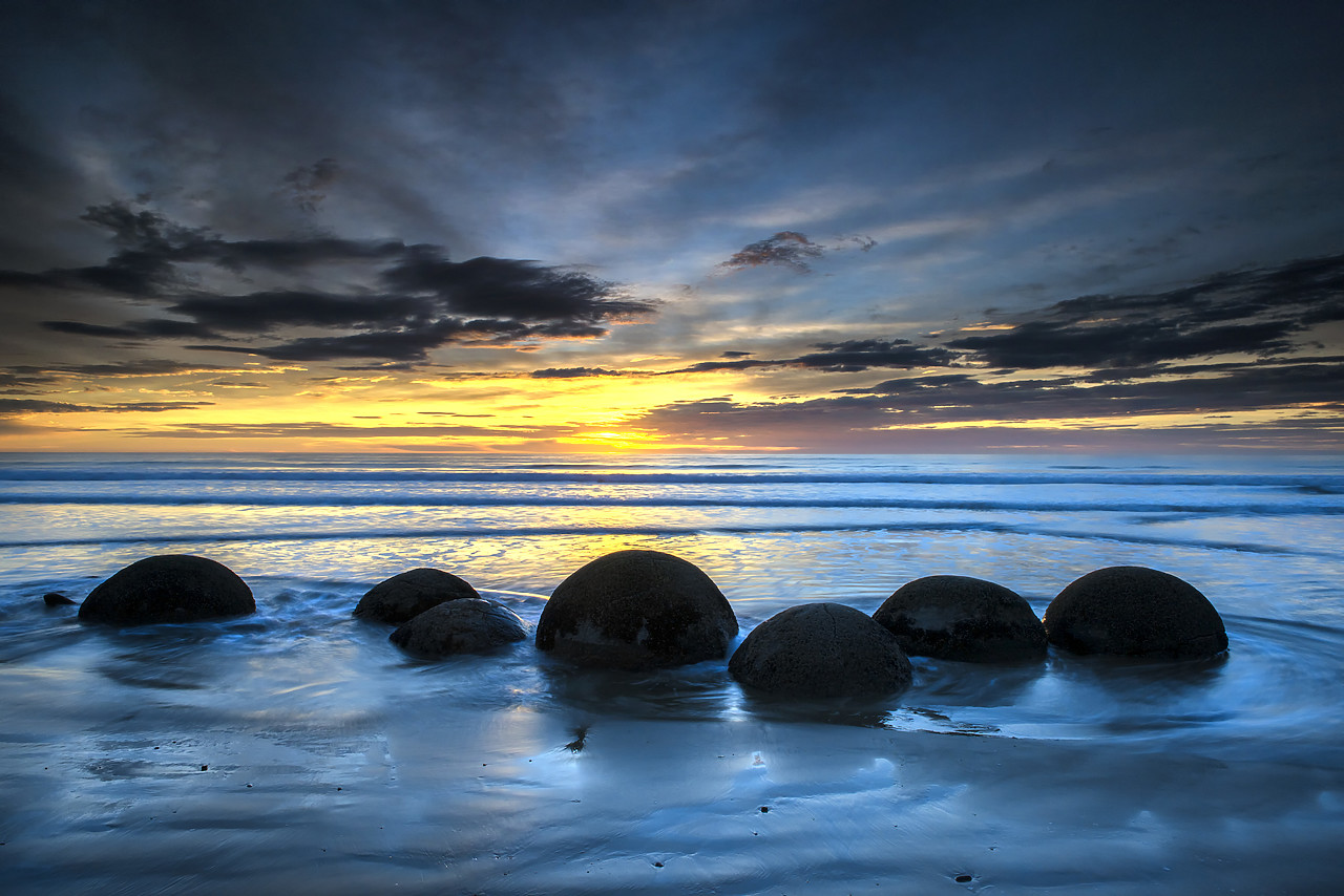#160276-1 - Moeraki Boulders at Sunrise, Otago Coast, New Zealand
