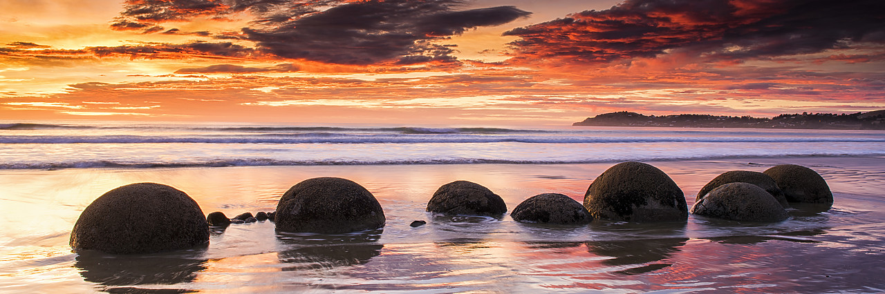 #160281-2 - Moeraki Boulders at Sunrise, Otago Coast, New Zealand