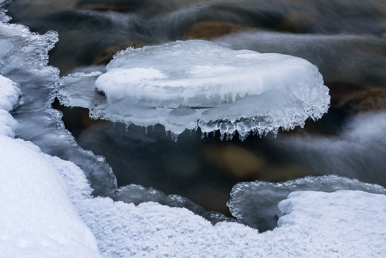 #180060-1 - Ice Formations on Sunwapta River, Jasper National Park, Aberta, Canada