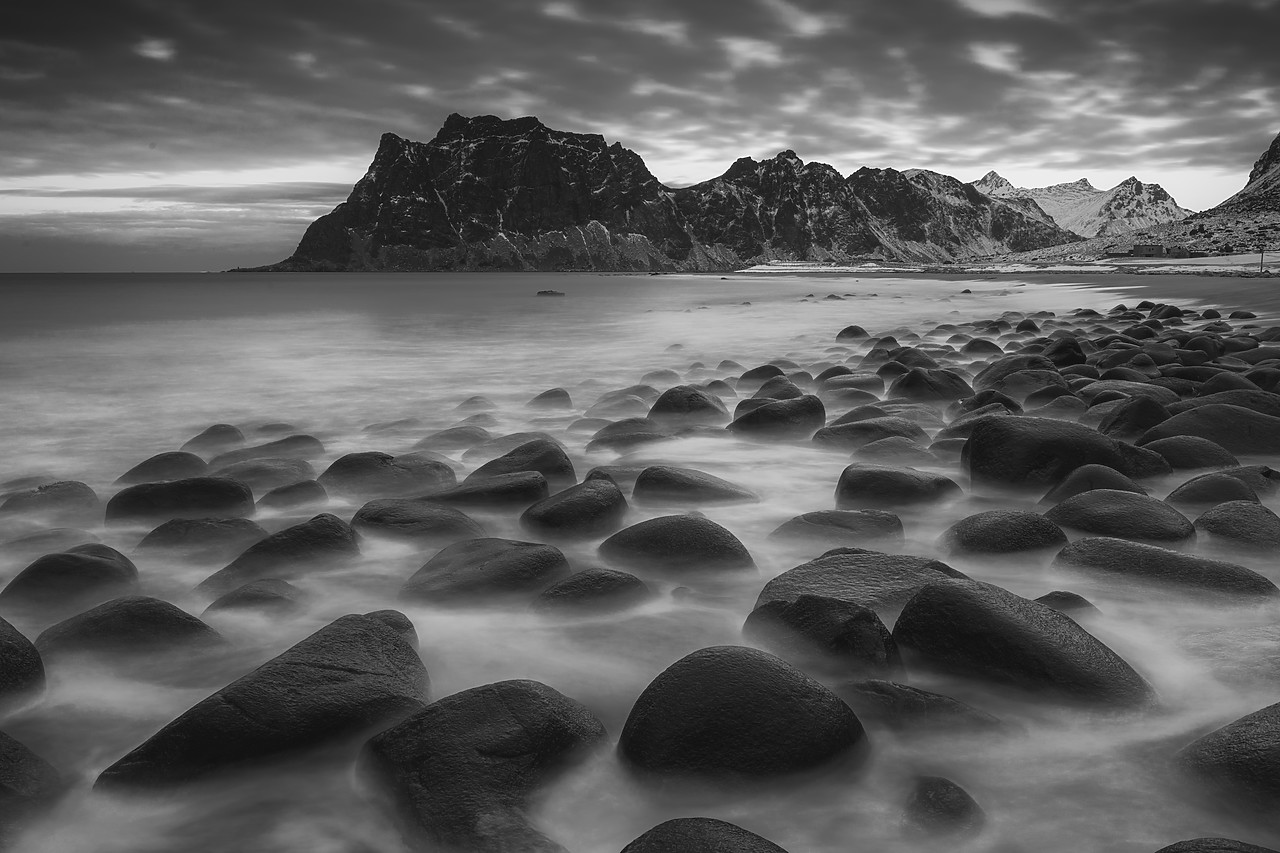 #180119-1 - Uttakleiv Coastline, Lofoten Islands, Norway