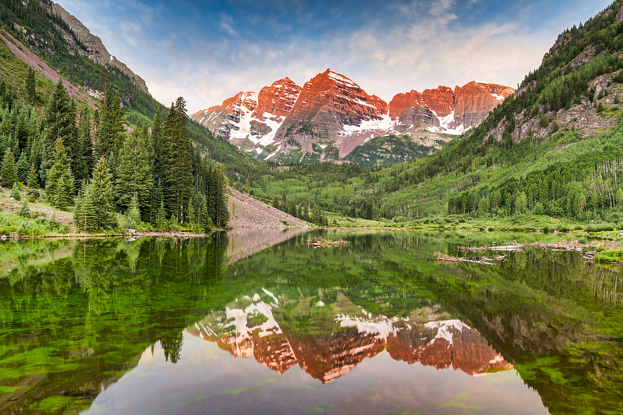 #190254-1 - First Light on Maroon Bells Reflecting in Maroon Lake, near Aspen, Colorado, USA