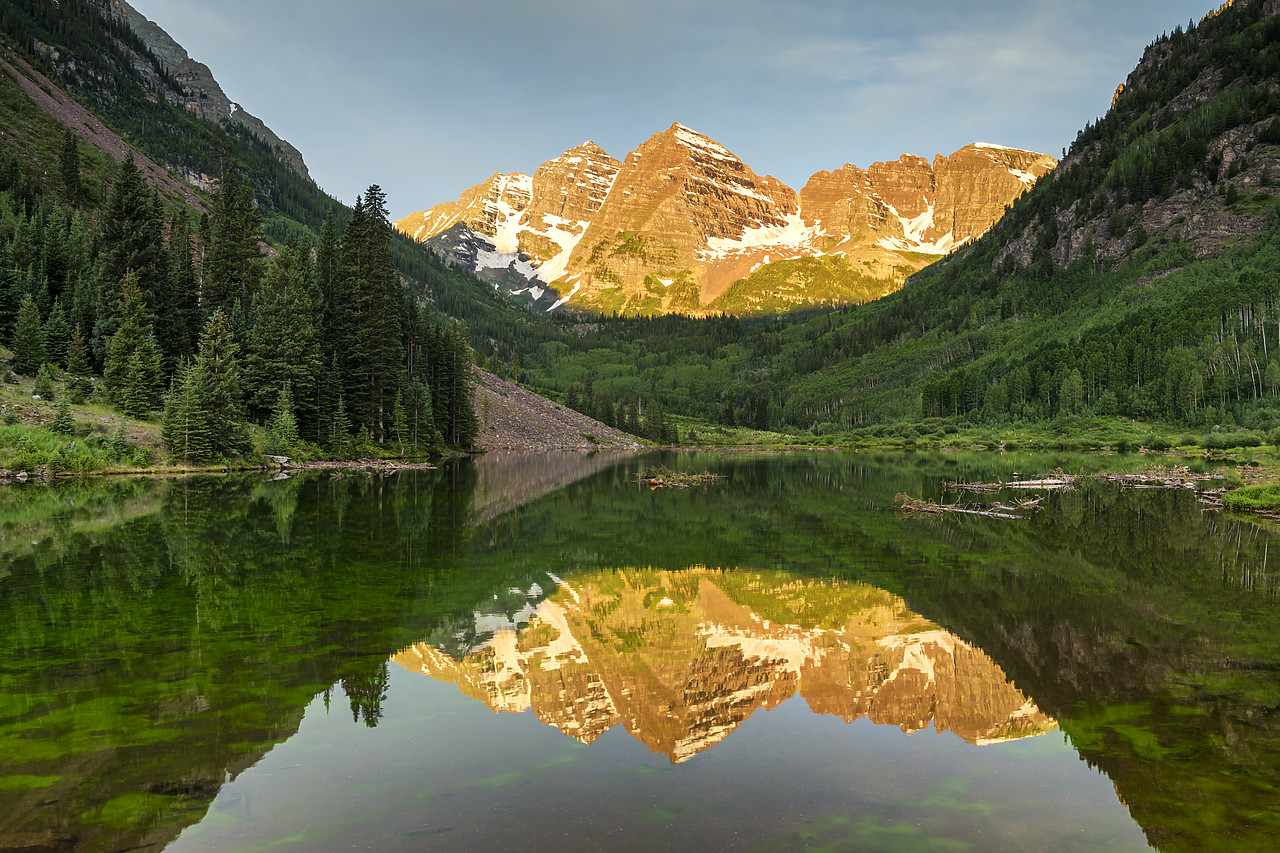 #190255-1 - First Light on Maroon Bells Reflecting in Maroon Lake, near Aspen, Colorado, USA
