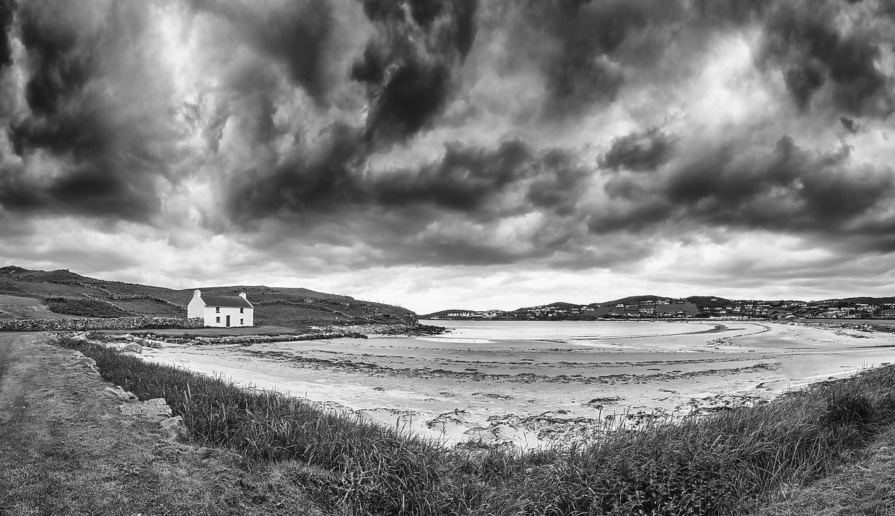 #190314-2 - Traditional Irish Cottage on a Beach, County Donegal, Ireland