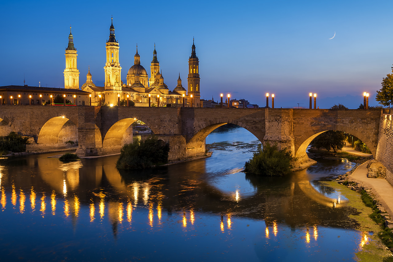 #190497-1 - Basilica-Cathedral of Our Lady of the Pillar & Roman Bridge Over Ebro River at Dusk, Zaragoza, Spain