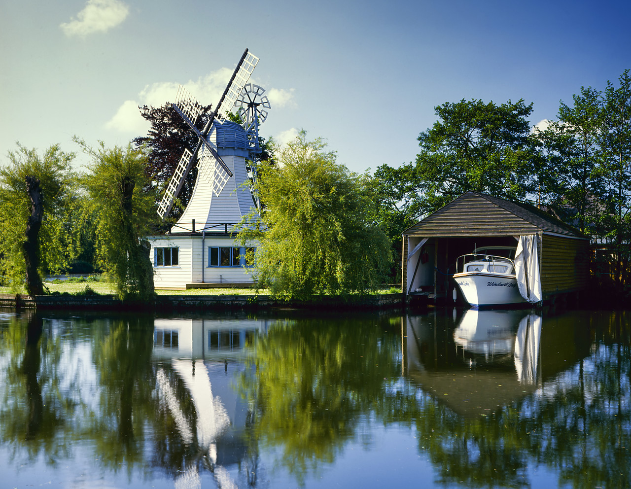 #400143-1 - Windmill Cottage, Horning, Norfolk Broads National Park, Norfolk, England
