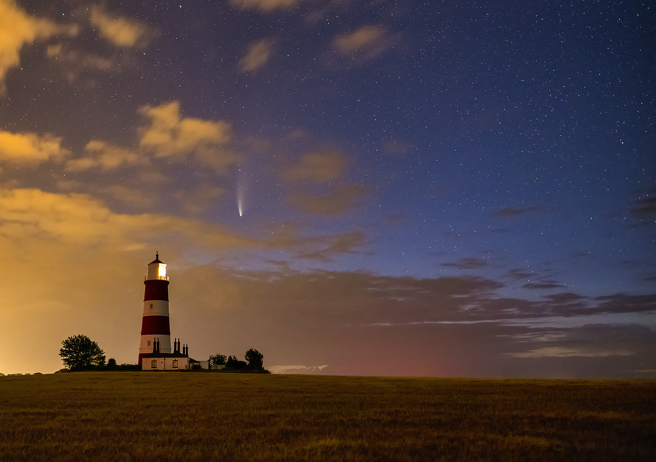#400151-1 - NEOWISE Comet over Happisburgh Lighthouse, Happisburgh, Norfolk, England