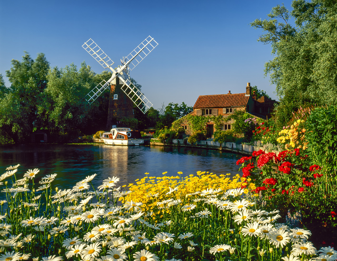 #955597-2 - Hunset Mill on the River Ant, Norfolk, England