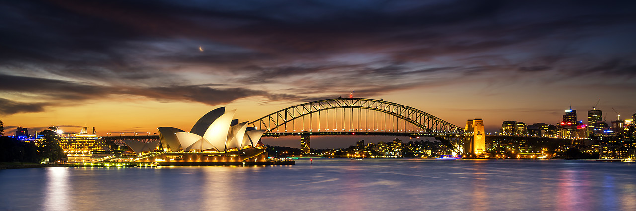 #ML16002 - Sydney Opera House & Harbour Bridge, Sydney, Australia